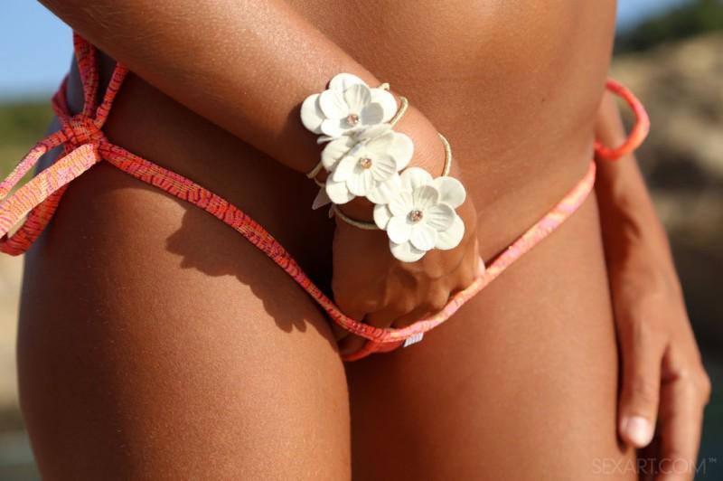clover-holidays-bikini-sexart-03