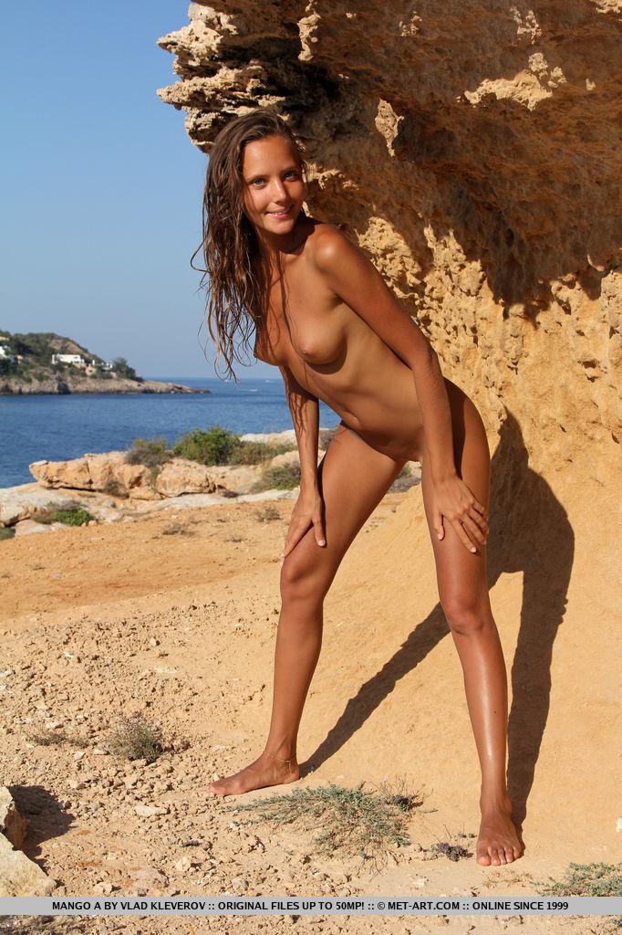 mango-a-nude-holidays-metart-07
