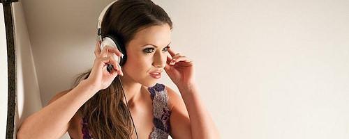 Kayleigh Elizabeth in headphones
