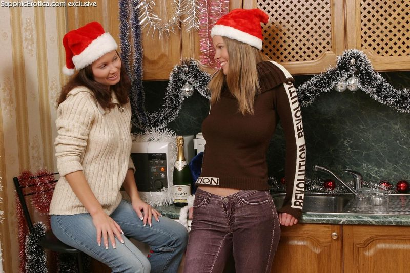 yvette-and-darci-christmas-nude-sapphicerotica-01