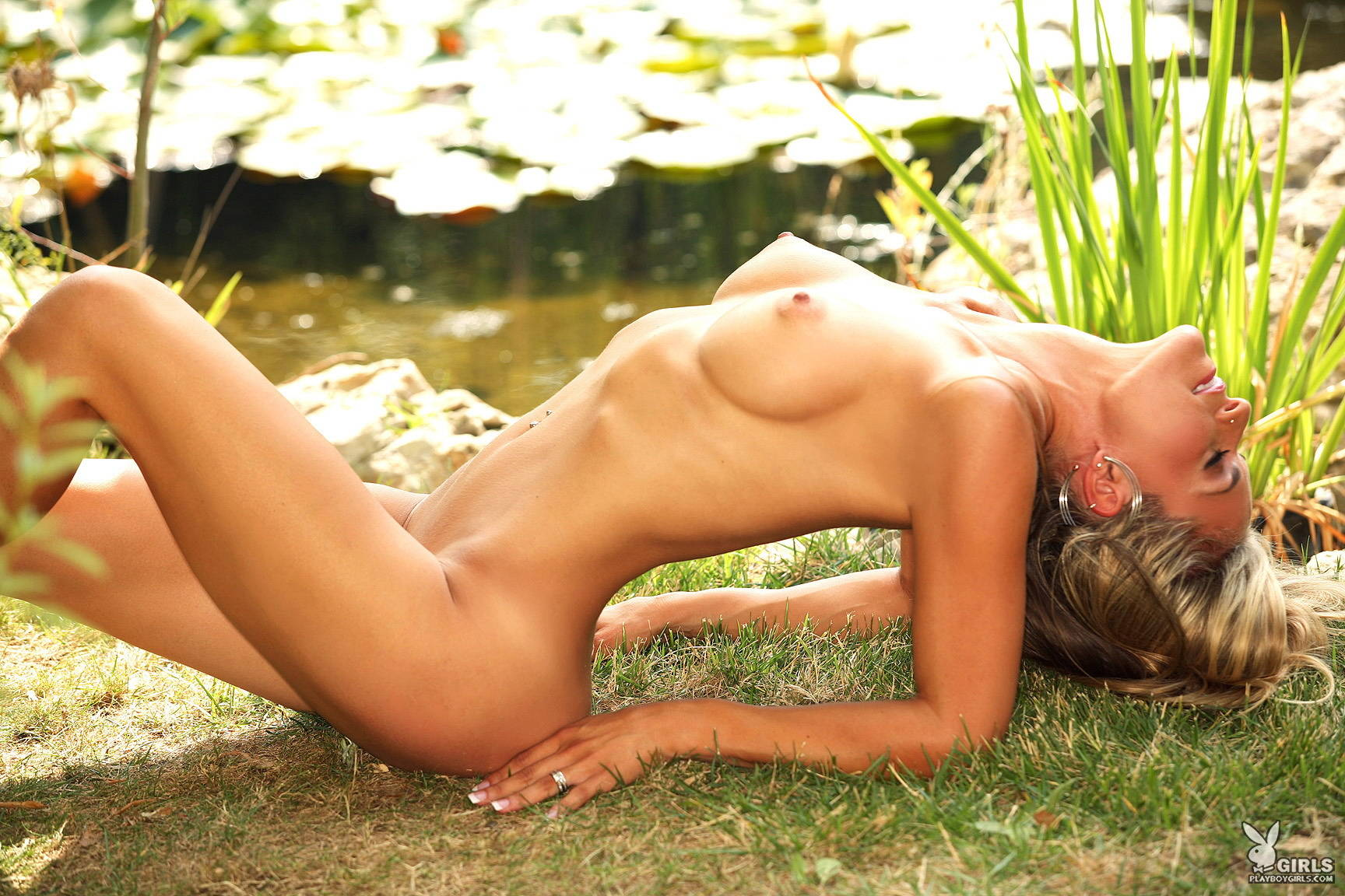 kelly-hargraves-blonde-garden-pond-nude-playboy-20