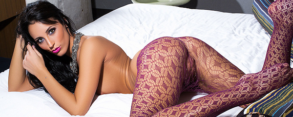 Kendra Cantara in tights
