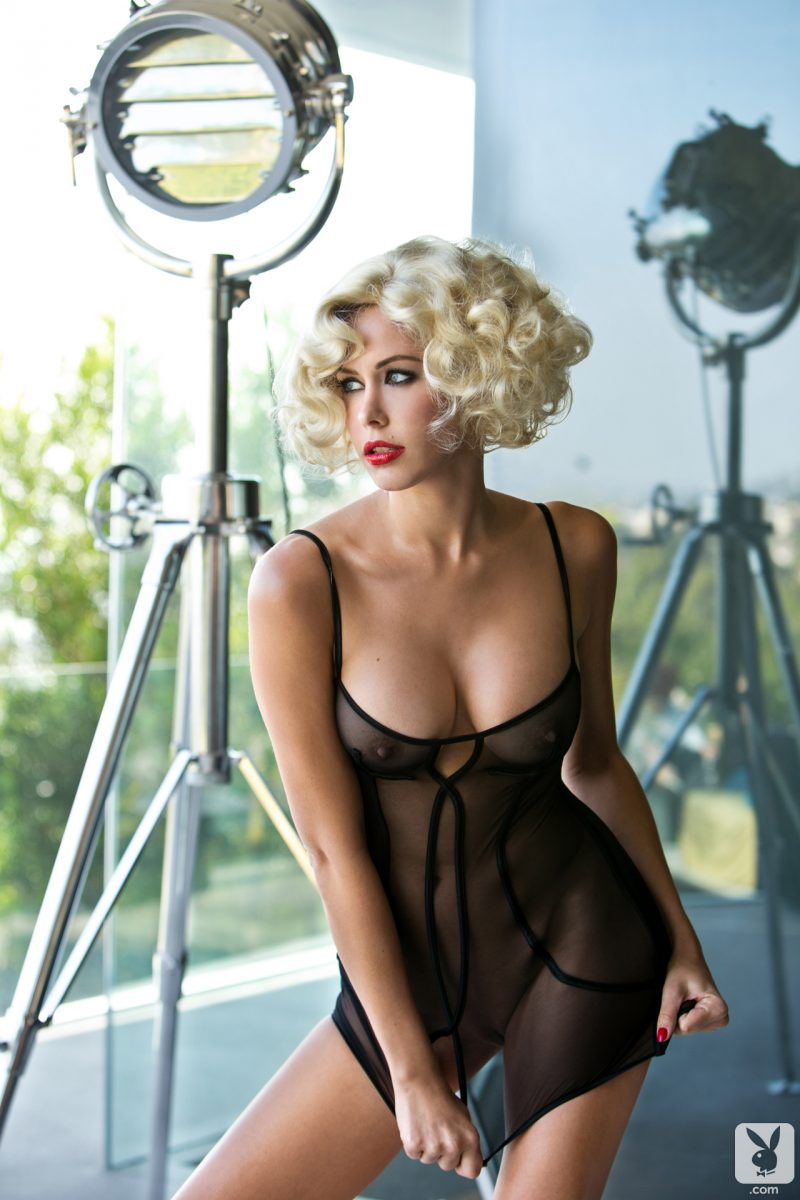 kennedy-summers-playmate-of-year-2014-playboy-12