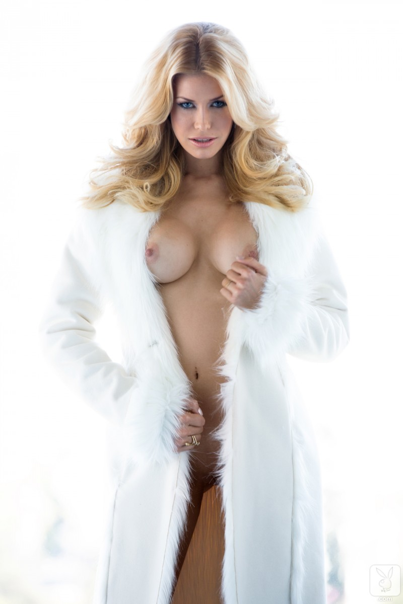 kennedy-summers-miss-december-2013-playboy-16