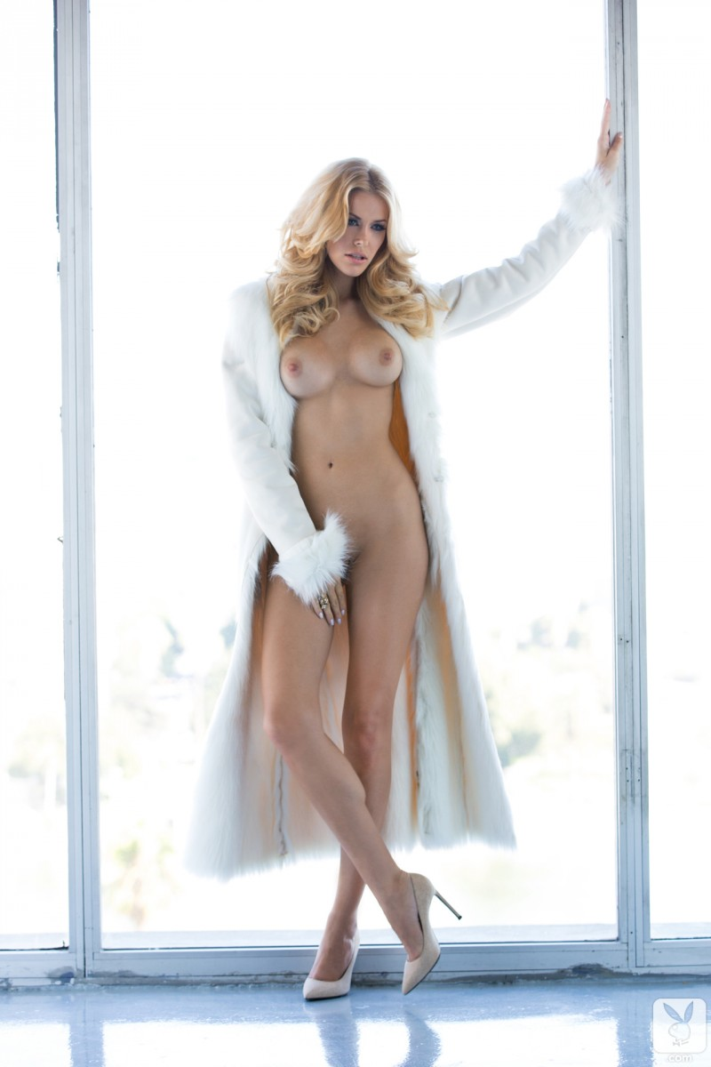 kennedy-summers-miss-december-2013-playboy-18