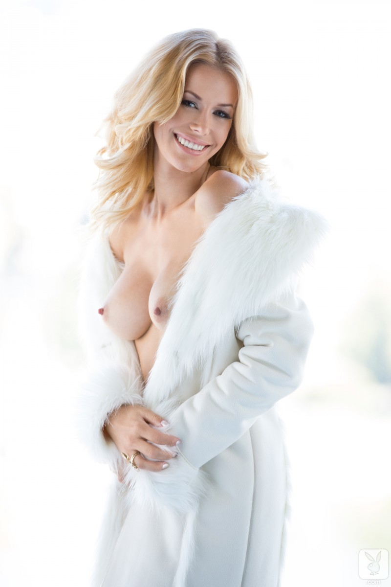 kennedy-summers-miss-december-2013-playboy-19
