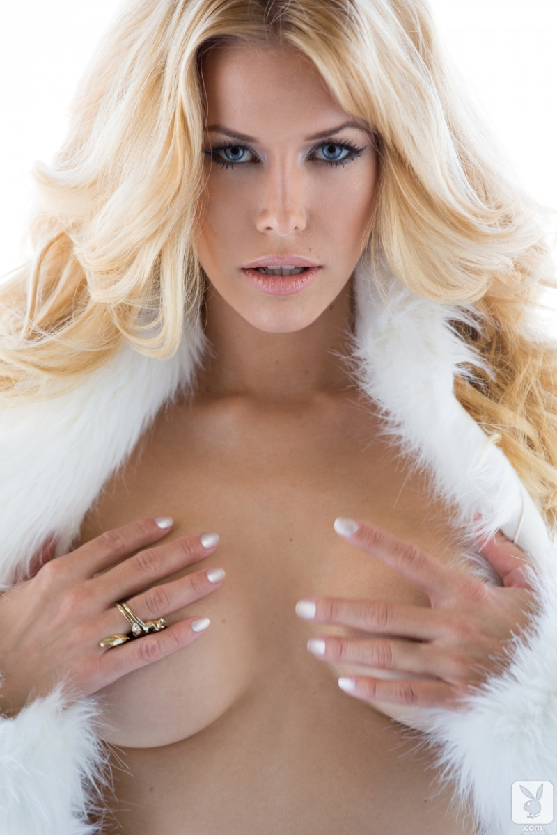 kennedy-summers-miss-december-2013-playboy-21