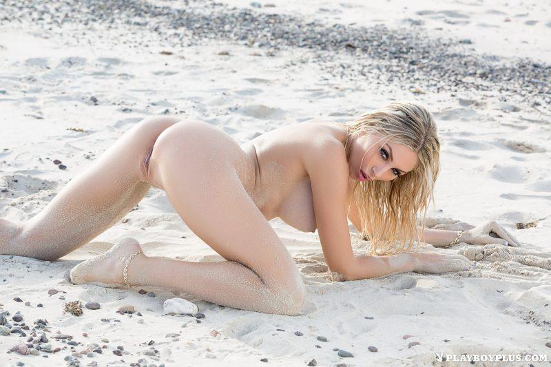 khloe-terae-nude-diver-seaside-playboy-20