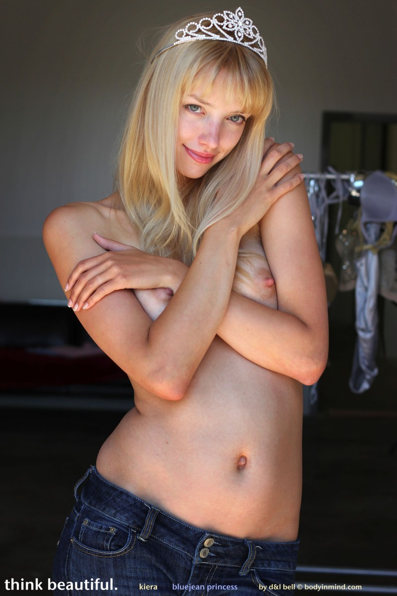 kiera-bluejean-princess-nude-bodyinmind-11