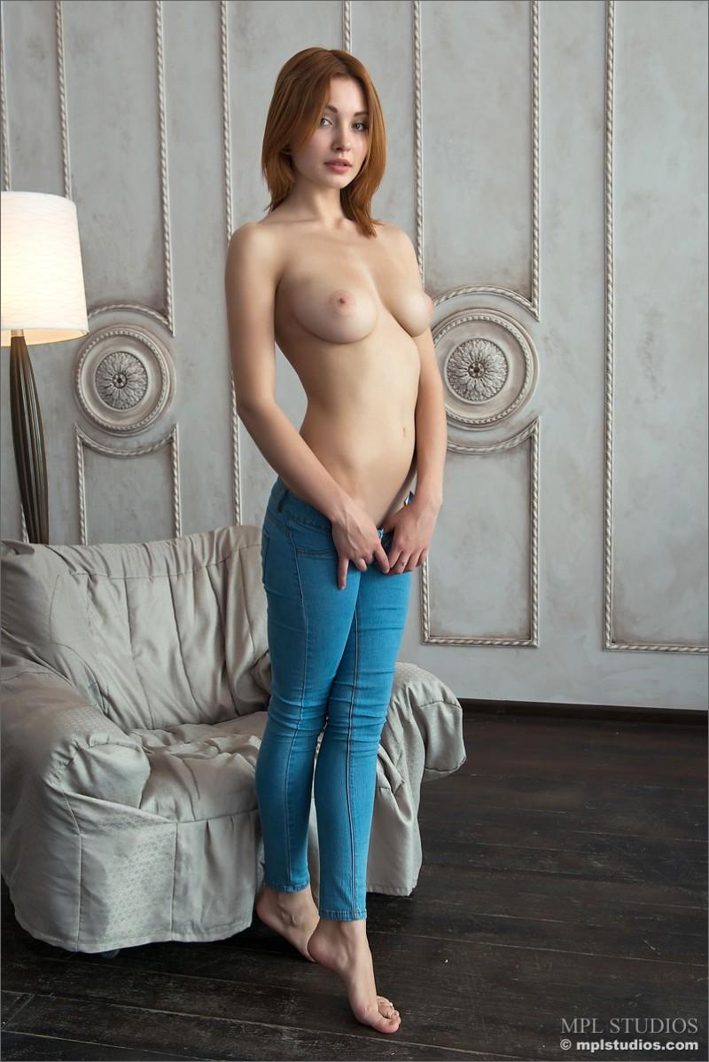 valeria-redhead-jeans-mpl-studios-03