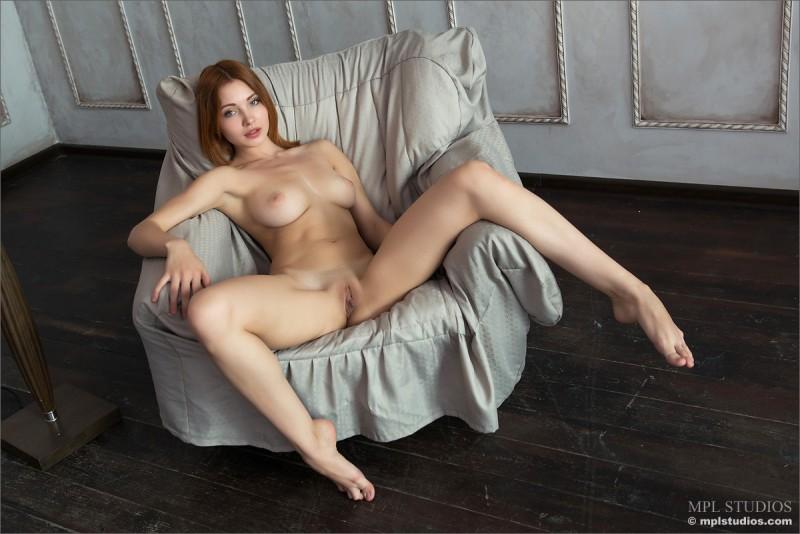 valeria-redhead-jeans-mpl-studios-09