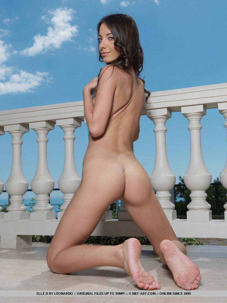 elle-d-skinny-nude-balcony-metart-11