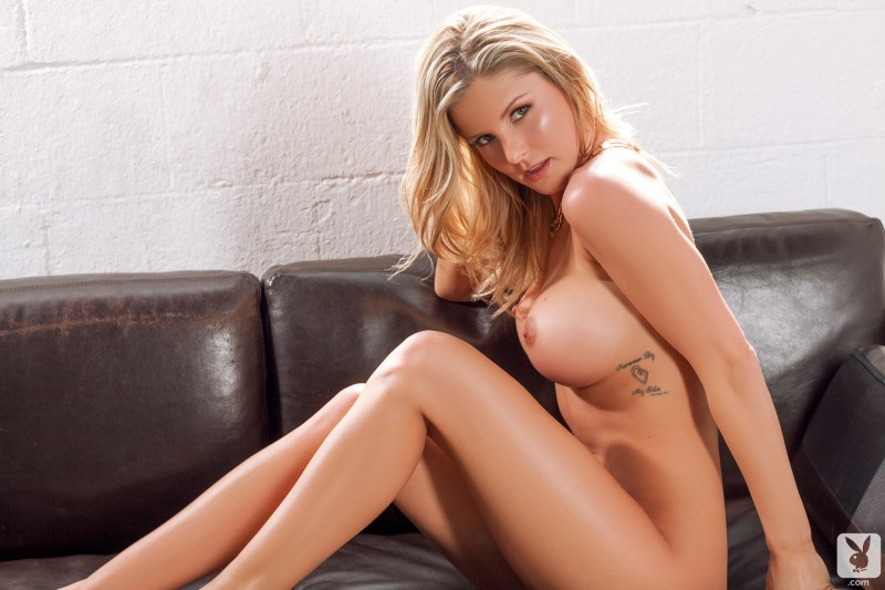 kimber-cox-nude-legs-for-days-17