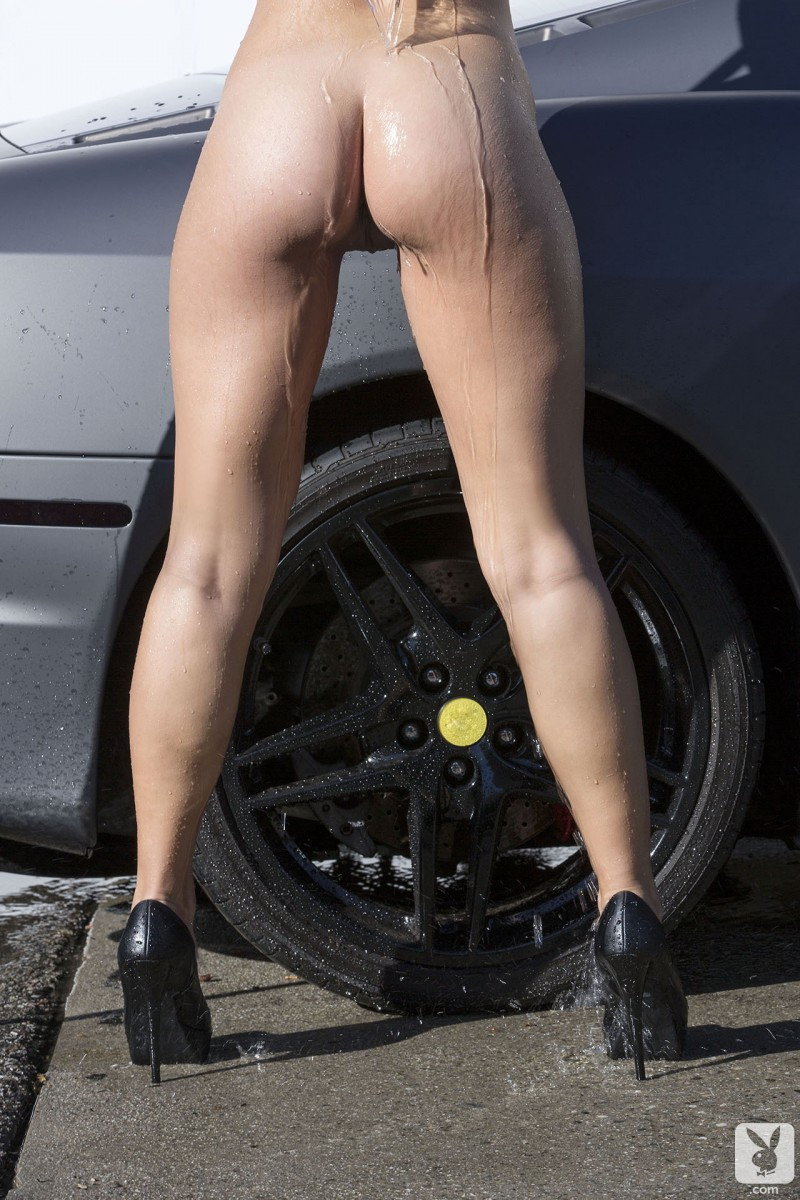 kimberly-kisselovich-ferrari-carwash-playboy-09