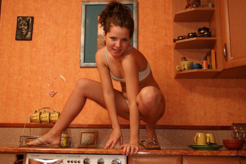 kimmy-teen-naked-on-the-washing-machine-07