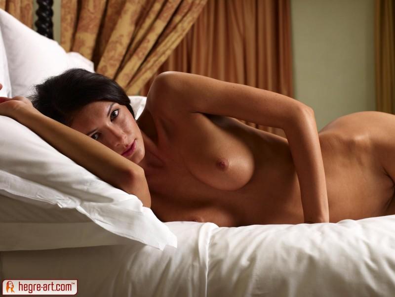 kocsis-orsi-nude-bedroom-hegre-art-04