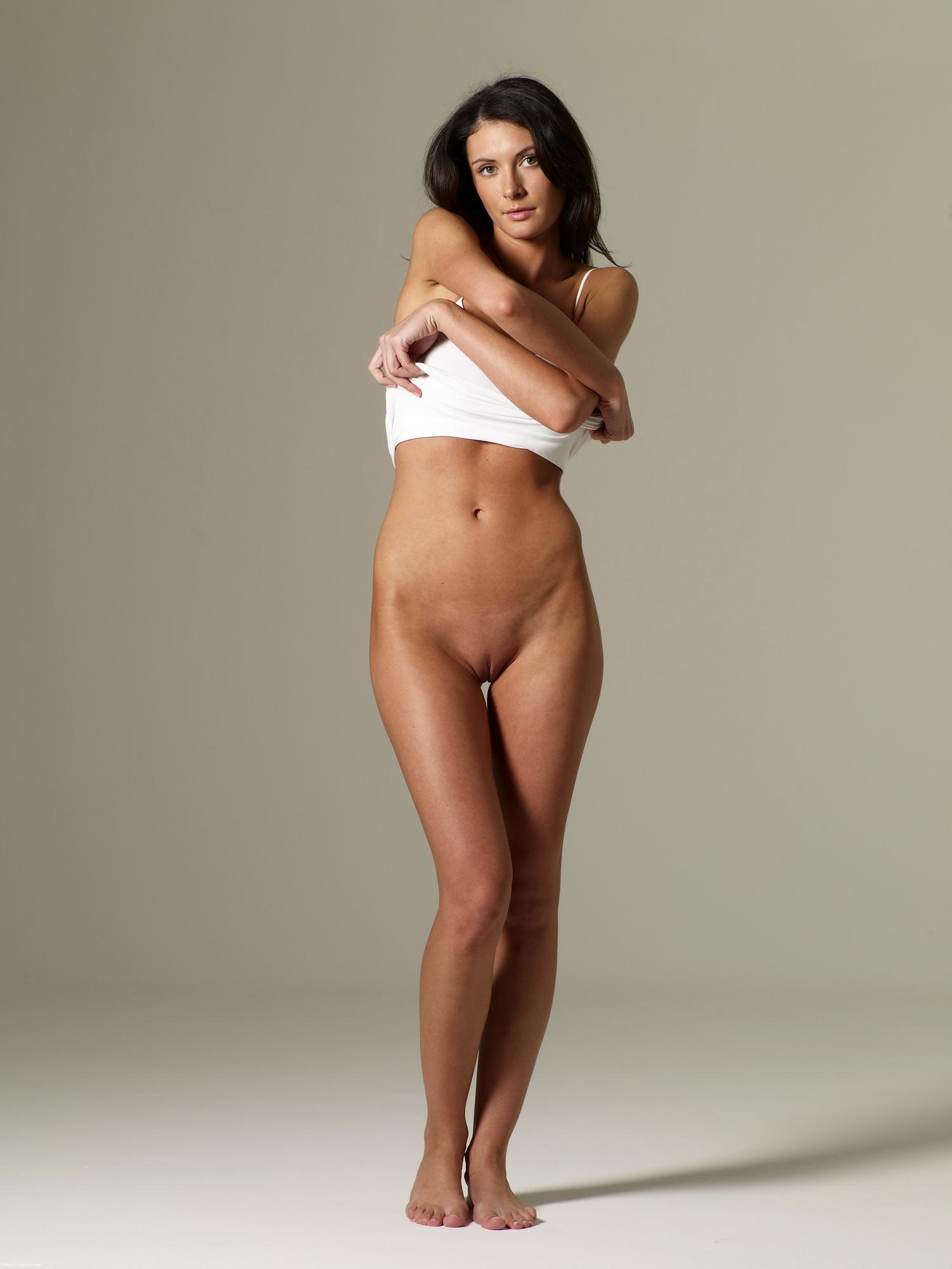 hot nude girls bottomless