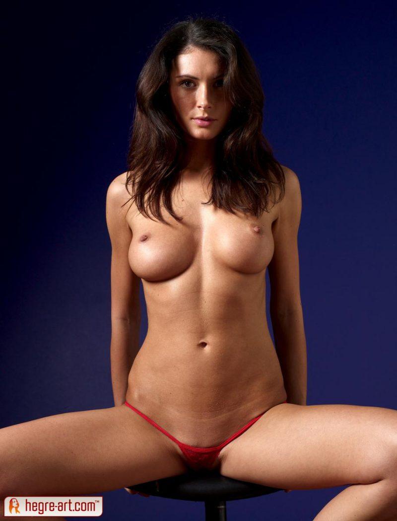 kocsis-orsi-red-panties-naked-hegreart-02