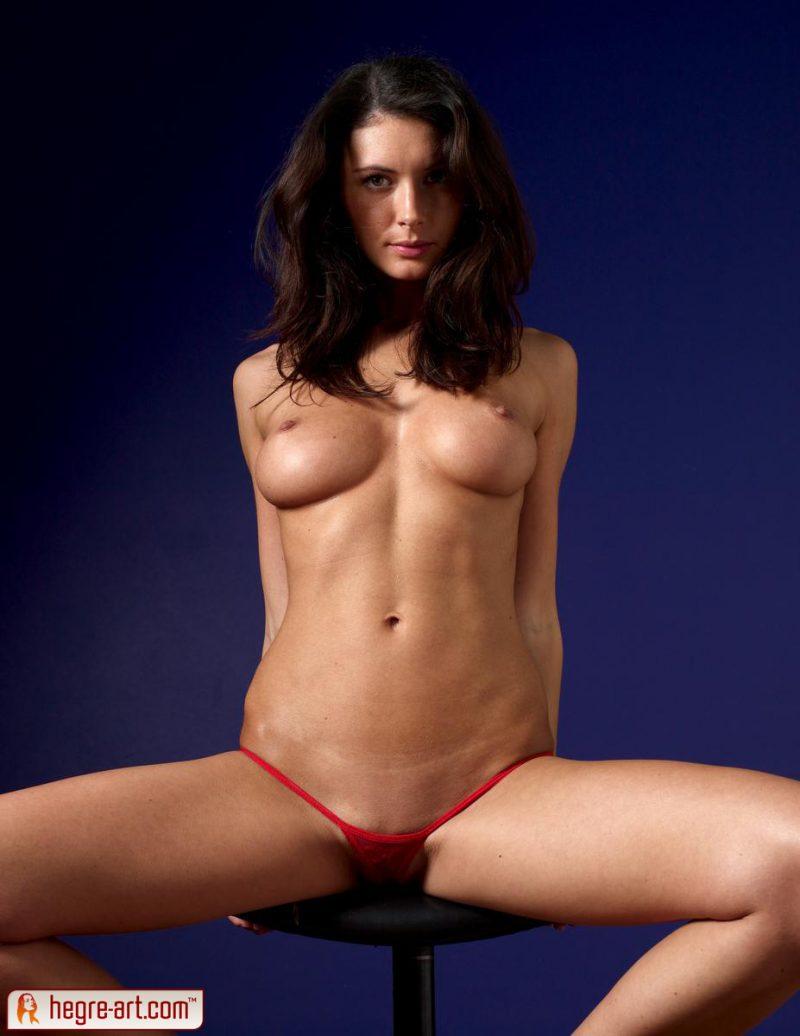 kocsis-orsi-red-panties-naked-hegreart-03