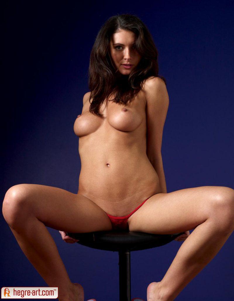 kocsis-orsi-red-panties-naked-hegreart-07