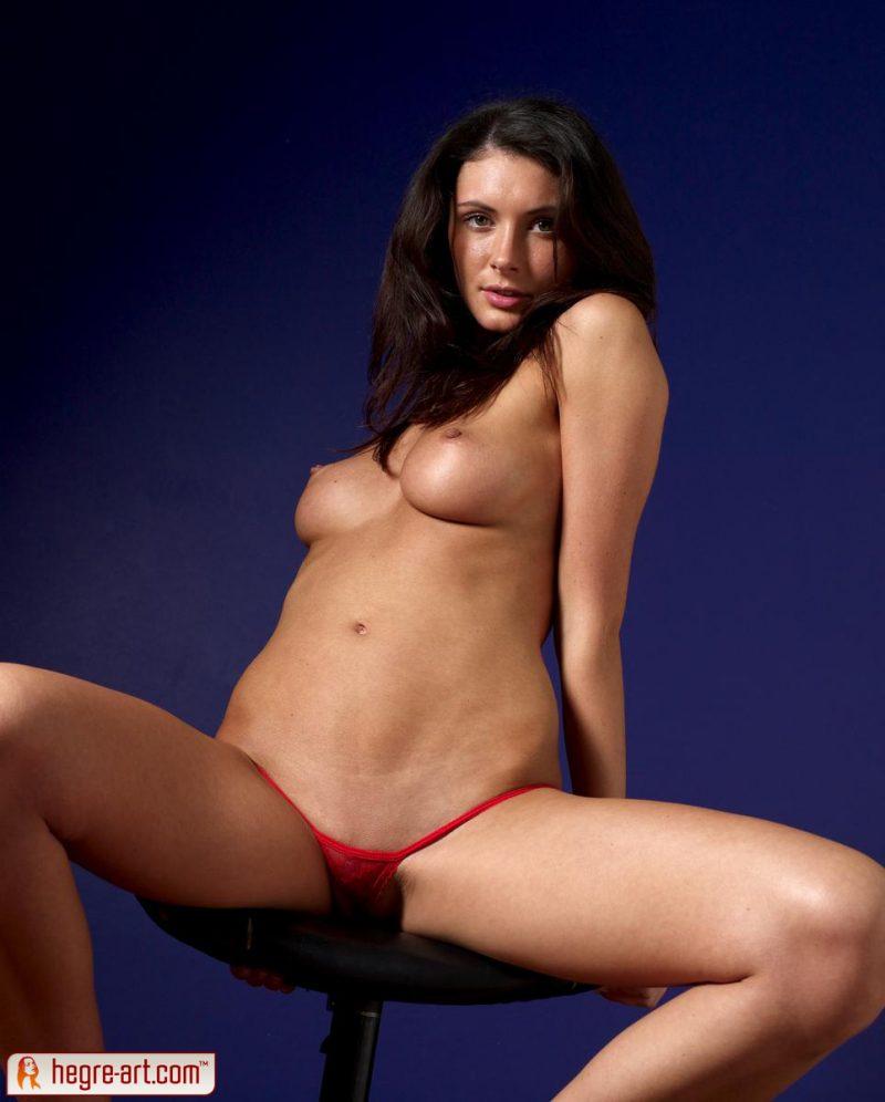 kocsis-orsi-red-panties-naked-hegreart-10
