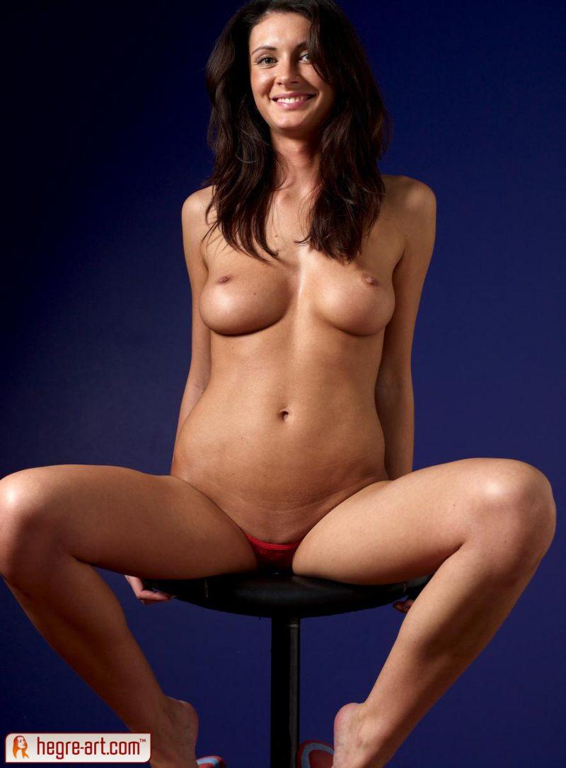 kocsis-orsi-red-panties-naked-hegreart-12