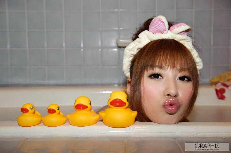 kokomi-naruse-bath-naked-graphis-09