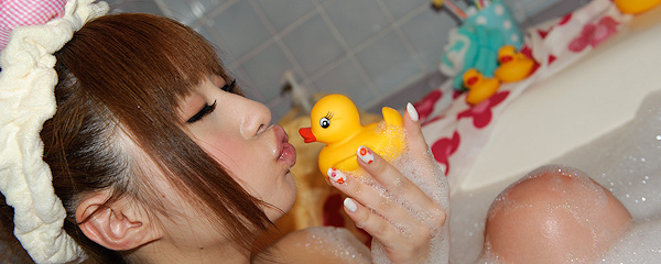 Kokomi Naruse – Bath time