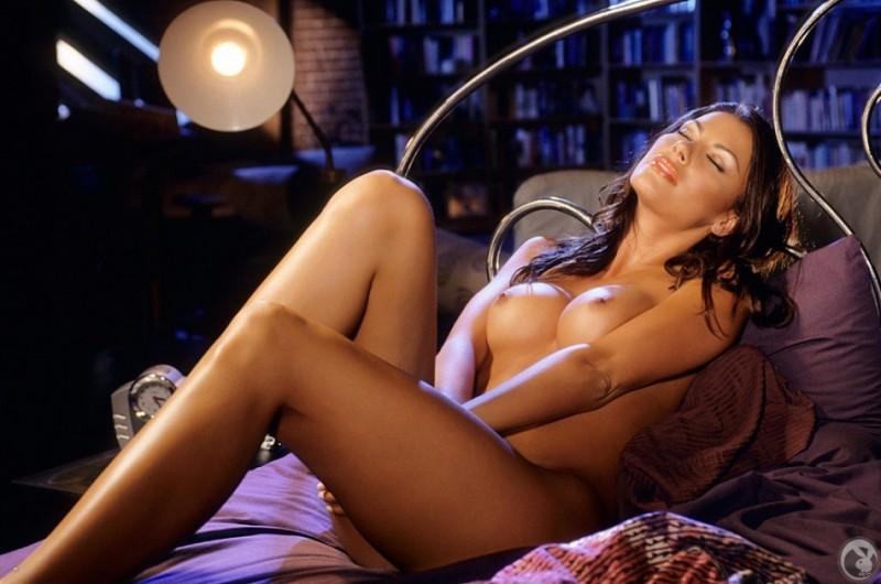 krista-kelly-bedroom-playboy-17