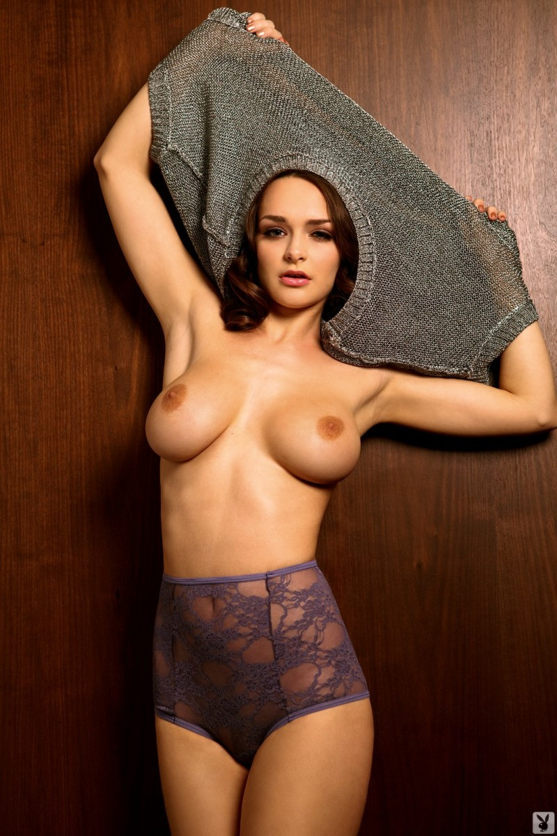 kristen-pyles-cybergirl-of-the-month-march-2011-playboy-11