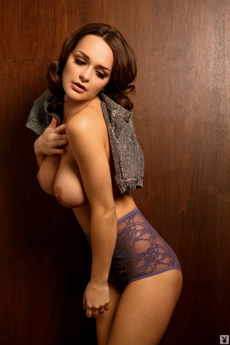 kristen-pyles-cybergirl-of-the-month-march-2011-playboy-12
