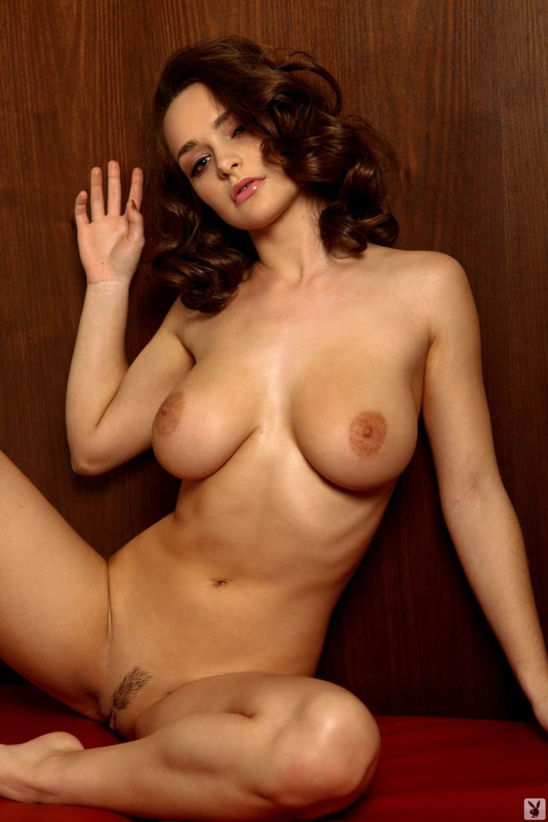 kristen-pyles-cybergirl-of-the-month-march-2011-playboy-30