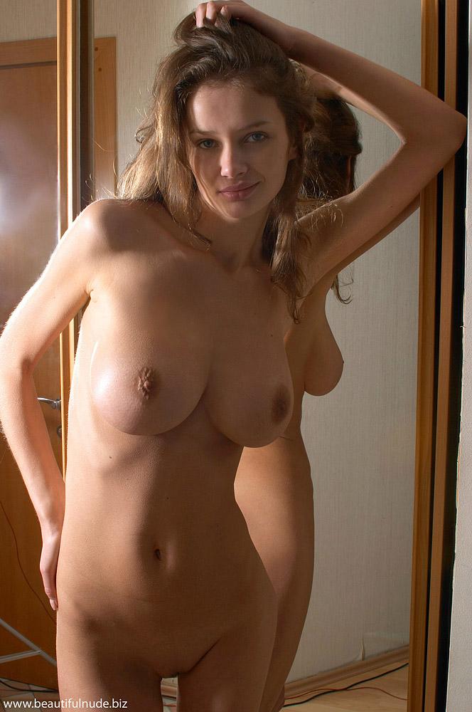 kristina-boobs-mirror-peter-janhans-13
