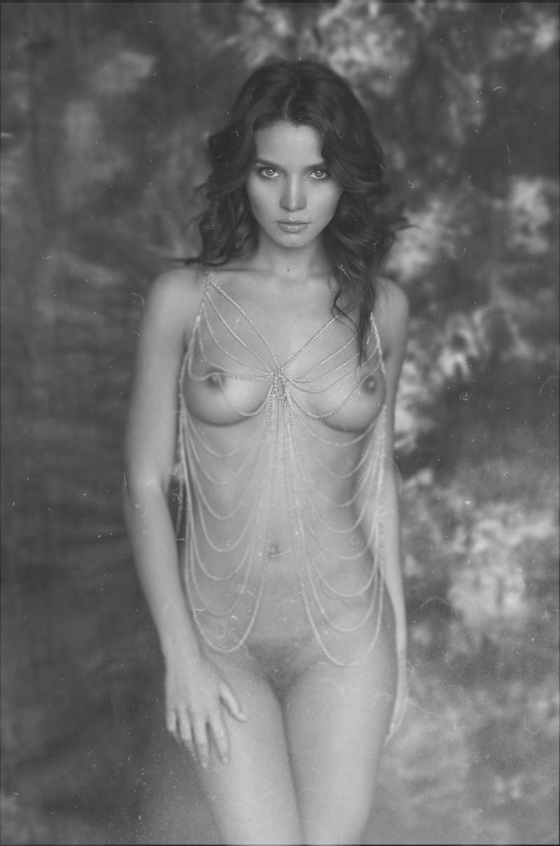 kristin-makarova-naked-erotic-kris-strange-37
