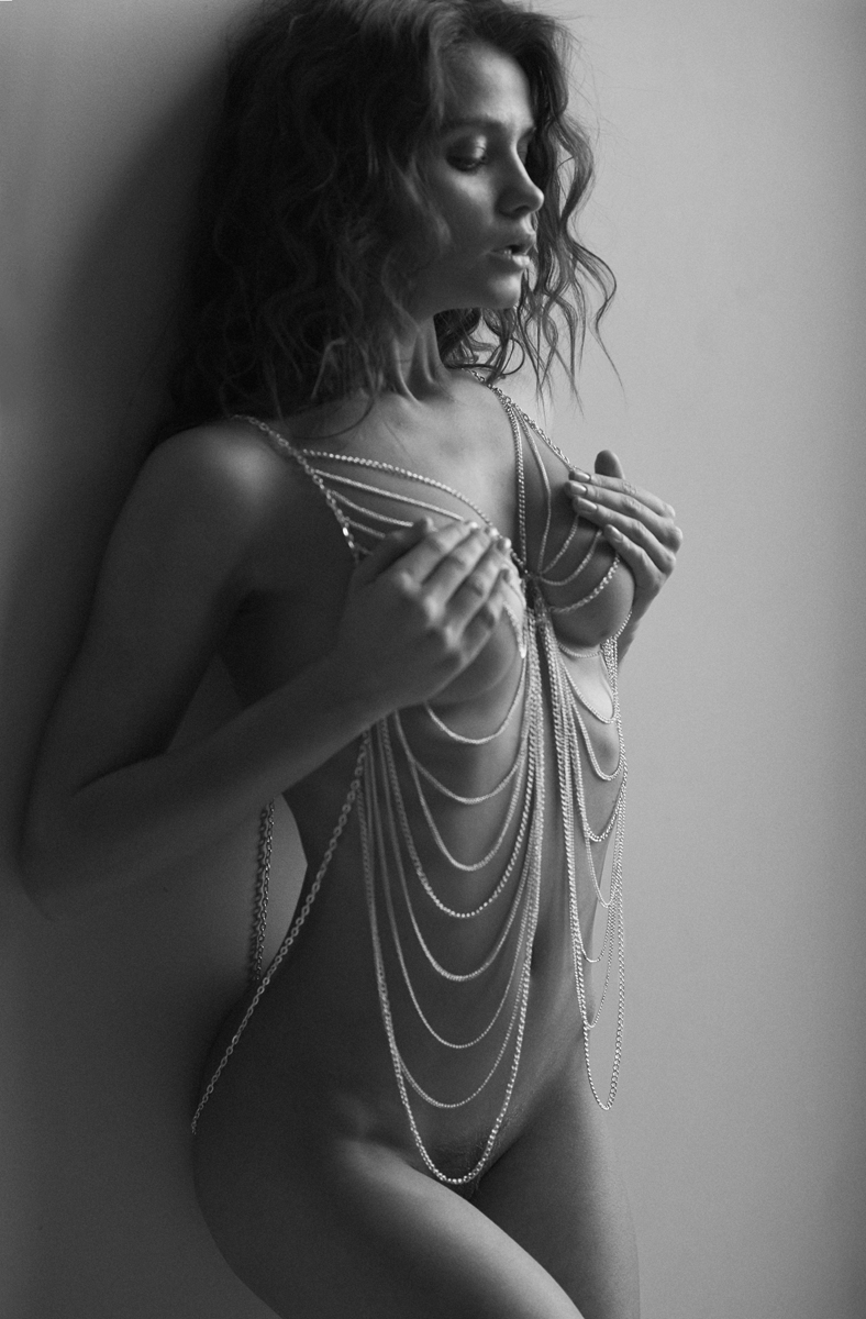 kristin-makarova-naked-erotic-kris-strange-38