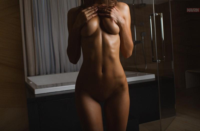 kris-strange-erotic-nude-kristin-makarova-11