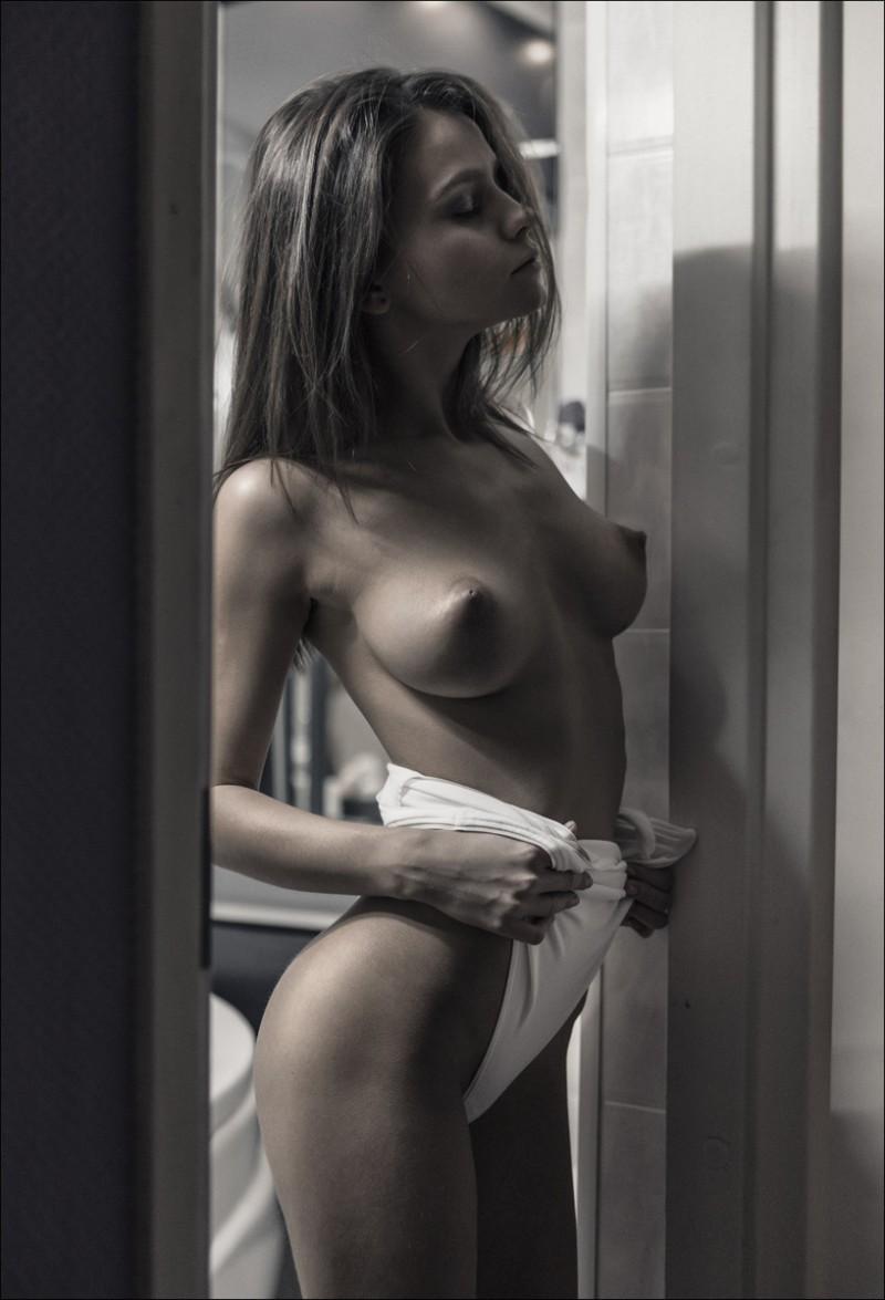 nude big tits hand stand