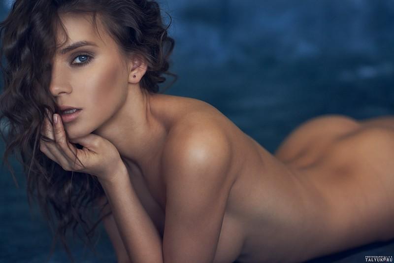 kris-strange-erotic-nude-kristin-makarova-43