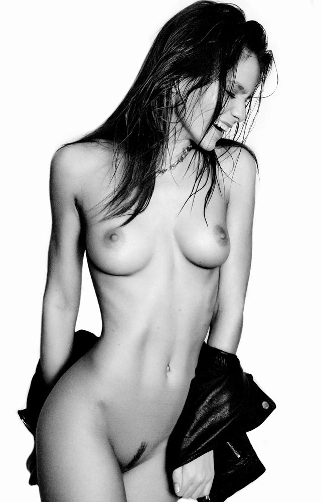 kris-strange-erotic-nude-kristin-makarova-46