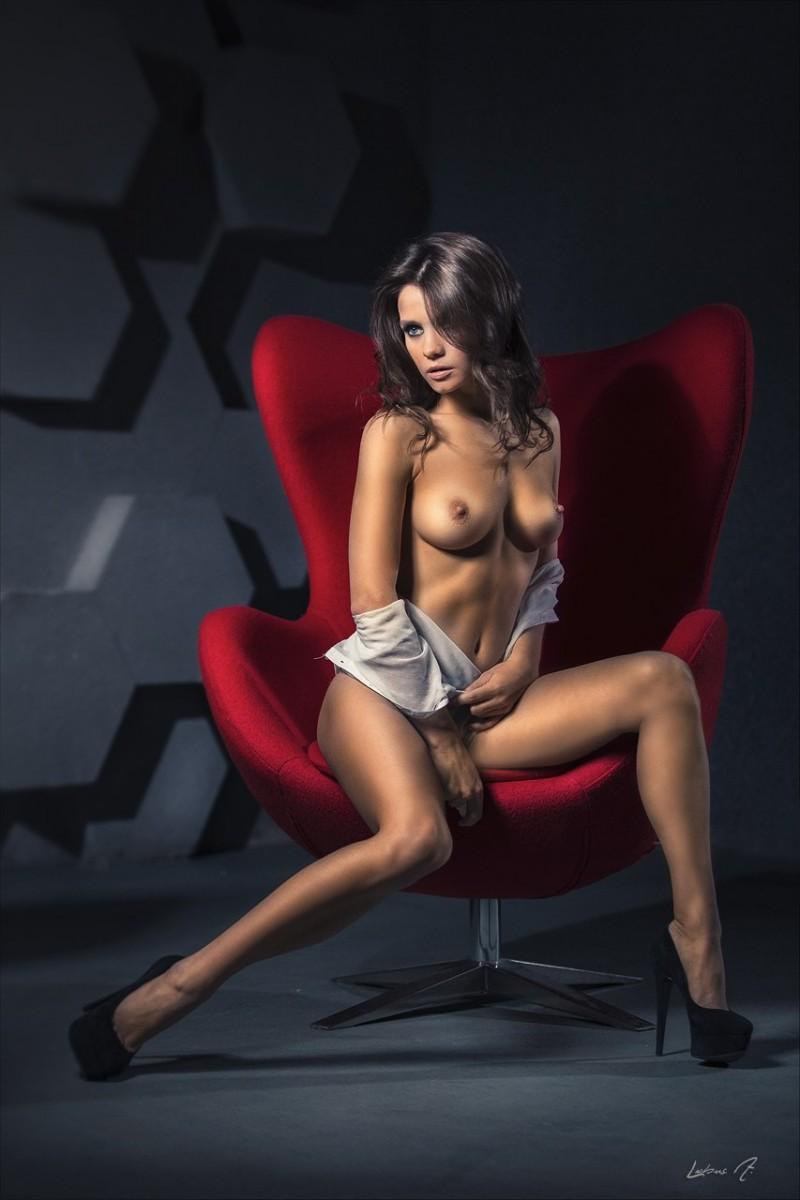 kris-strange-erotic-nude-kristin-makarova-70