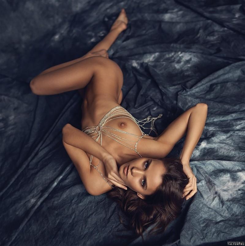 kris-strange-erotic-nude-kristin-makarova-84