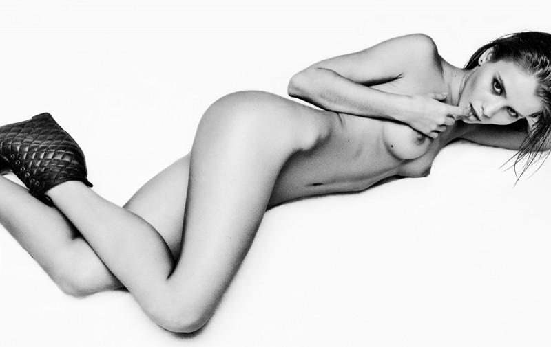 kris-strange-erotic-nude-kristin-makarova-86