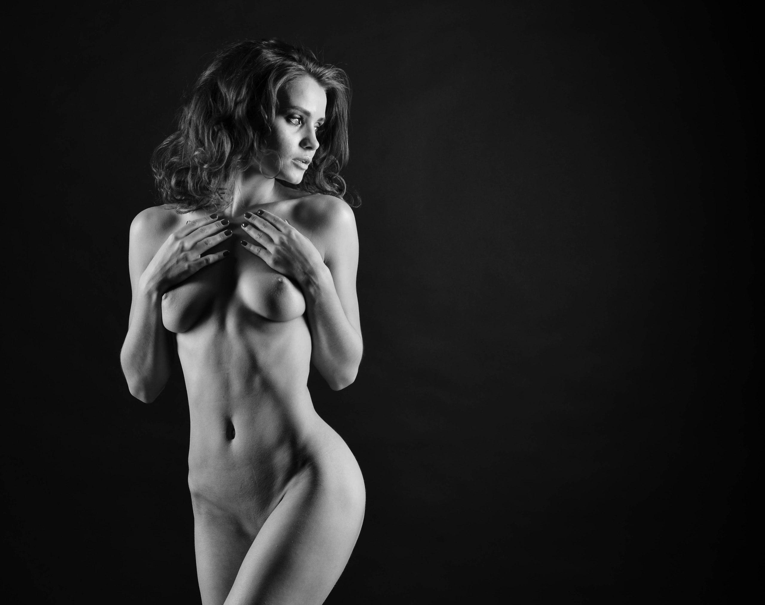 Strange Nude 60