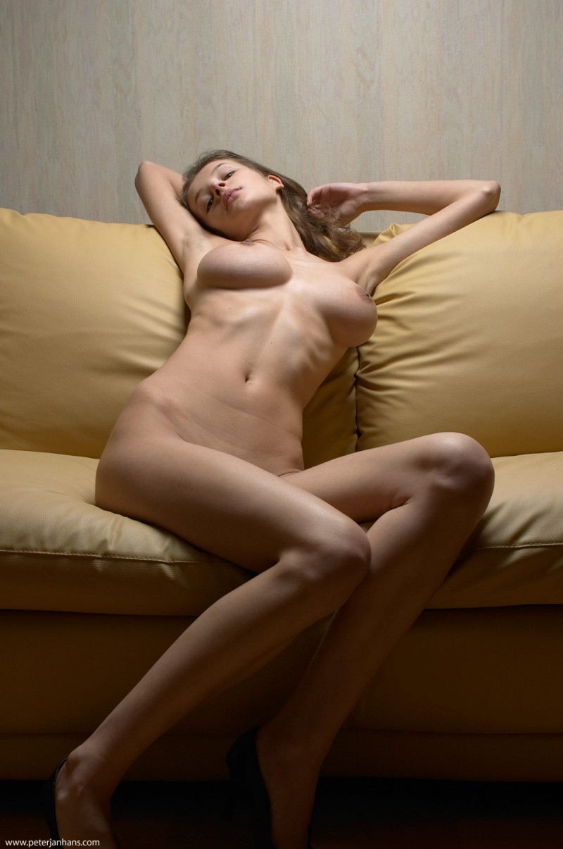 kristina-boobs-nude-sofa-peter-janhans-05