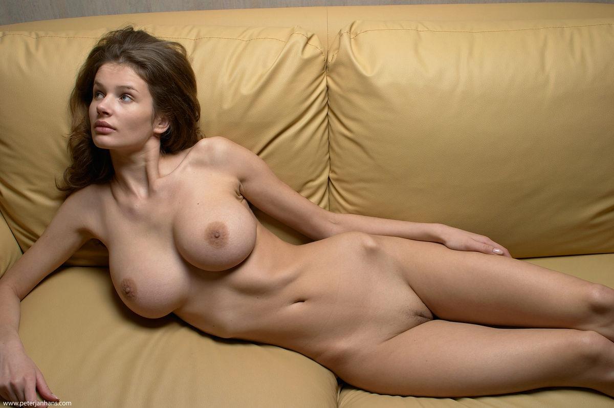 Порно фото с оксаной робски