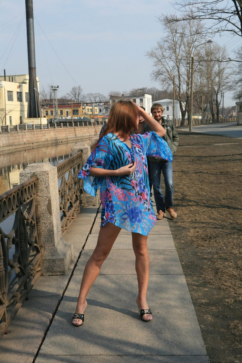 kristina-anglers-flash-in-public-nude-01