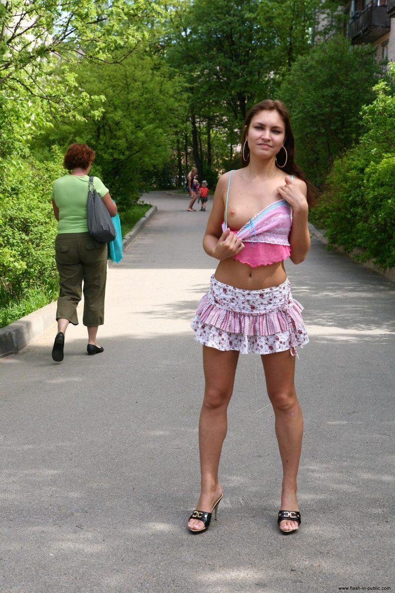 kristina-anglers-nude-russia-flashinpublic-01