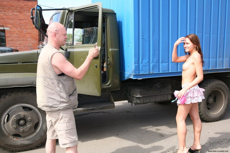 kristina-anglers-nude-russia-flashinpublic-31