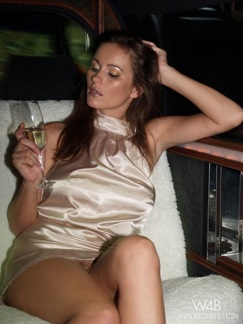 kyla-cole-limo-nude-watch4beauty-08