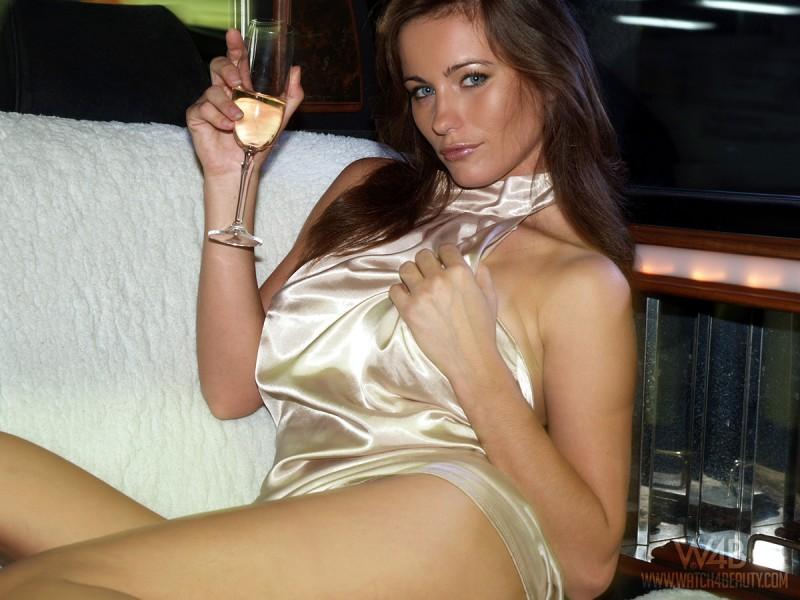 kyla-cole-limo-nude-watch4beauty-10